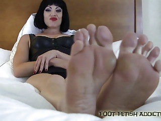 Stroke your cock for my perfect feet