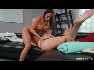 Brazzers Abella Danger Luna Star Face Sitting On The Sneaky Sitter